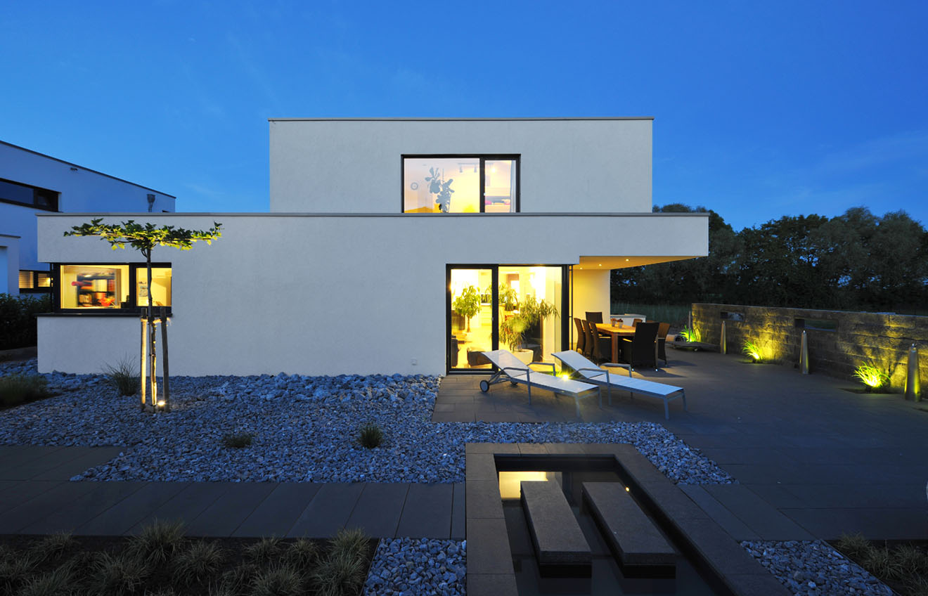 Haus hubert architekten spiekermann for Garten 2 ebenen